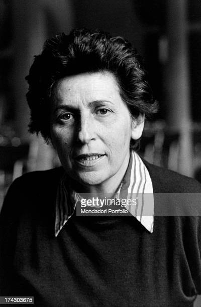 The journalist, writer and politician Miriam Mafai, one of the founders of the newspaper La Repubblica, poses seriously for the photographer. Italy,...