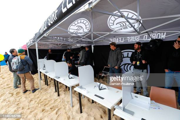 The judges went mobile on the final day of the 2016 Roxy Pro France in Hossegor, France.