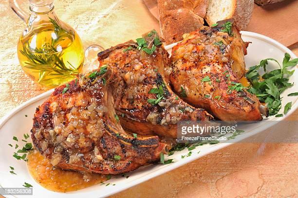 Chuletas de cerdo asado