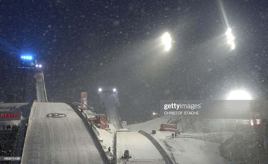 SKI-JUMP-FOUR HILLS : News Photo