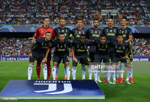 The Juventus team line up for a photo prior to kick off during the Group H match of the UEFA Champions League between Valencia and Juventus at...