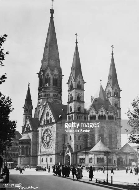 The Kaiser Wilhelm Memorial Church in Berlin Germany circa 1920 Built in the 1890s it was damaged in a bombing raid in 1943 and rebuilt in 19591963