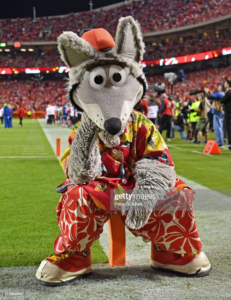 The Kansas City Chiefs Mascot Kc Wolf Takes A Seat During A Game News Photo Getty Images