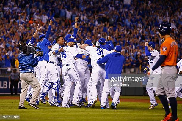 The Kansas City Royals celebrate defeating the Houston Astros 72 in game five of the American League Divison Series at Kauffman Stadium on October 14...