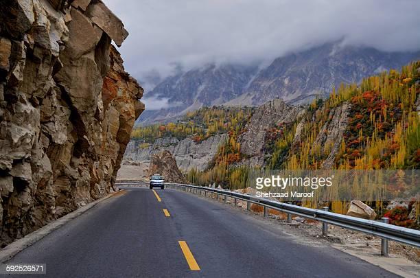 the karakoram highway - gilgit baltistan stock photos and pictures