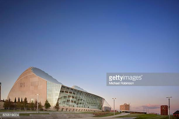 the kauffman center for the performing arts - performing arts center stock pictures, royalty-free photos & images