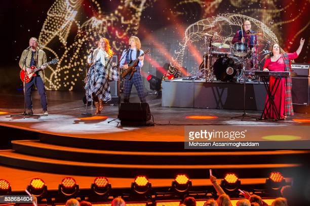The Kelly Family attends 'Das Grosse SommerHitFestival 2017' at Timmendorfer Strand on August 24 2017 at Timmendorfer Strand Germany