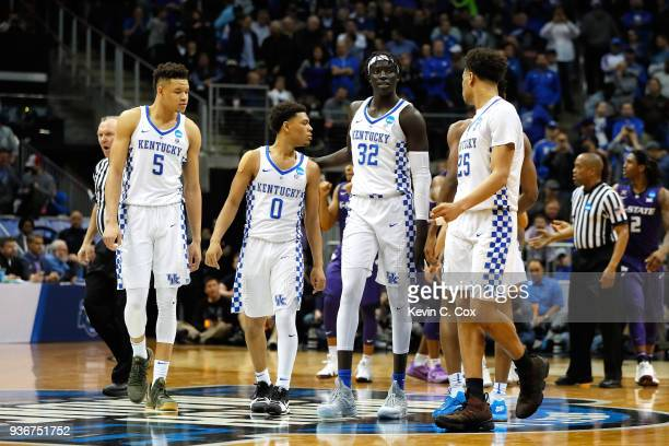 The Kentucky Wildcats look on late in the second half against the Kansas State Wildcats during the 2018 NCAA Men's Basketball Tournament South...