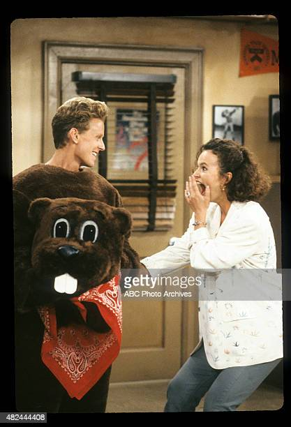 COACH The KickOff and the KissOff Airdate September 27 1991 CAREY
