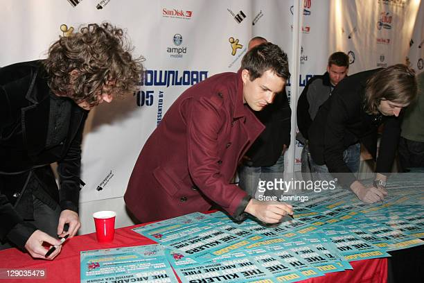 The Killers sign for fans