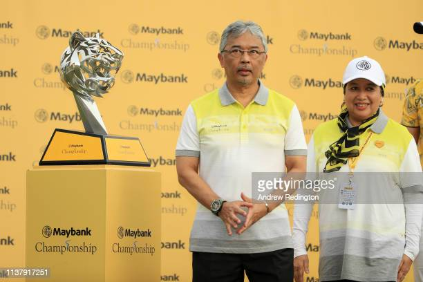 The King of Malaysia Abdullah of Pahang is seen during the trophy presentation during Day Four of the Maybank Championship at Saujana Golf Country...
