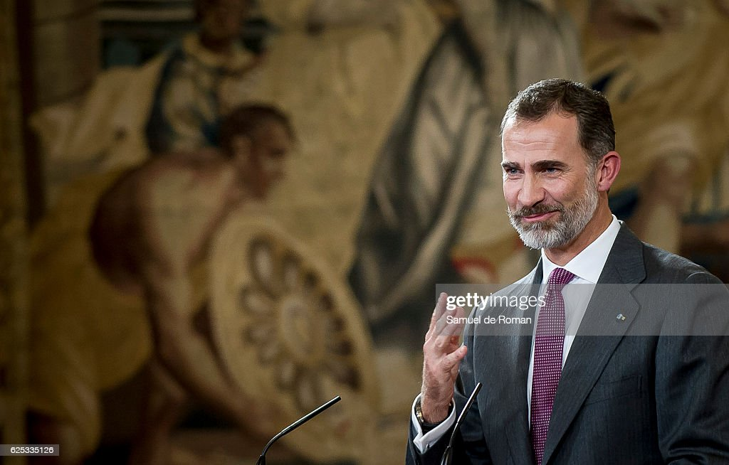 The King of Spain Felipe VI speaks as he hands over the businessmen of the year prize on November 23, 2016 in Burgos, Spain.