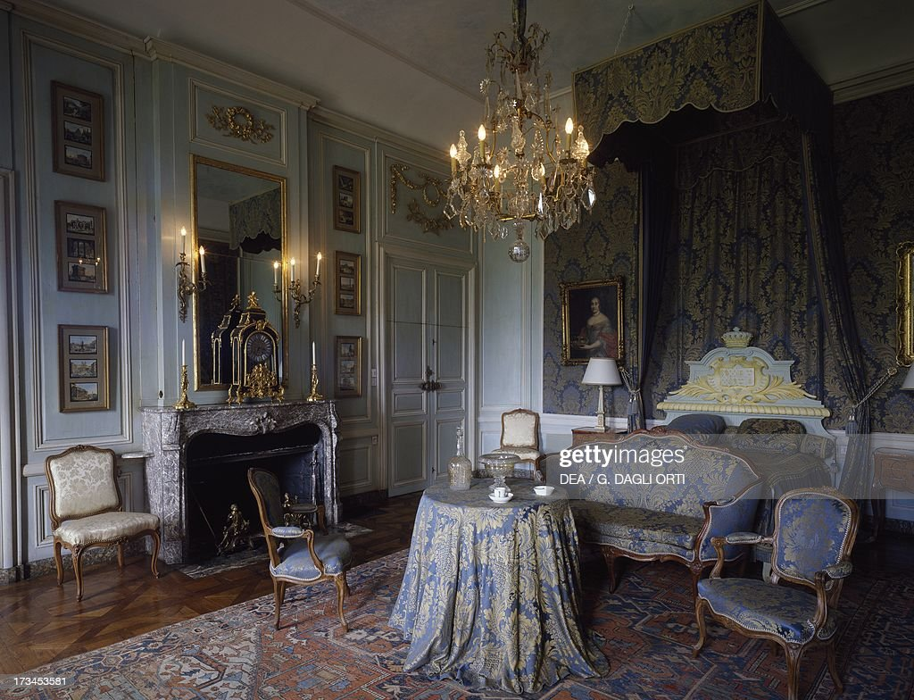 the king s room with louis xvi style furniture pictures getty