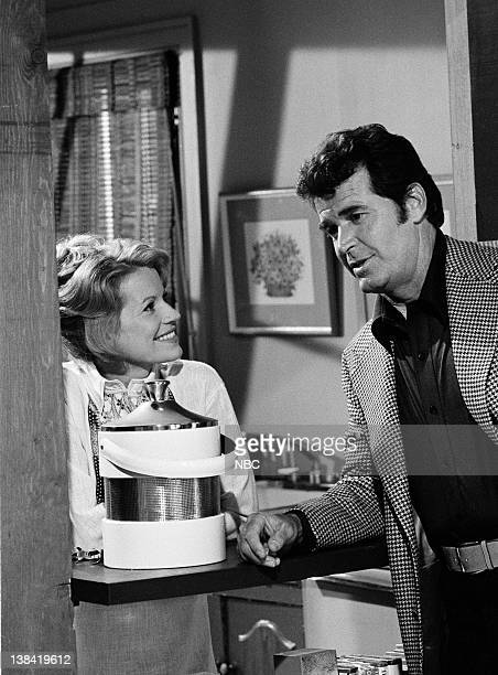 FILES The Kirkoff Case Episode 1 Airdate Pictured Julie Sommars as Tawnia Baker James Garner as Jim Rockford