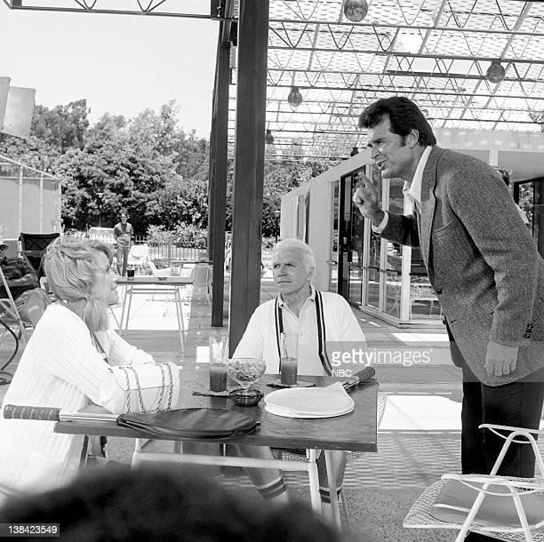 """The Kirkoff Case"""" Episode 1 -- Aired 9/13/74 -- Pictured: Julie Sommars as Tawnia Baker, unknown, James Garner as Jim Rockford"""