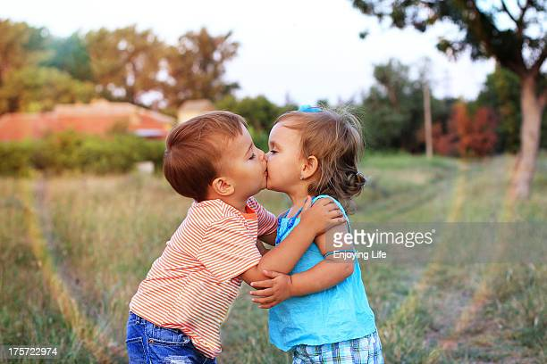 the kiss - kissing stock pictures, royalty-free photos & images