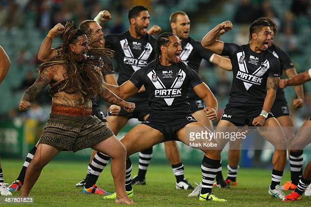 The Kiwis perform the Haka during the ANZAC Test match between the Australian Kangaroos and the New Zealand Kiwis at Allianz Stadium on May 2 2014 in...