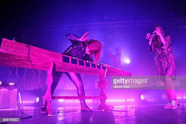 The Knife das schwedische ElektroDuo bestehend aus den Geschwistern Karin Dreijer Andersson und Olof Dreijer bei einem Konzert im Docks/DClub in...
