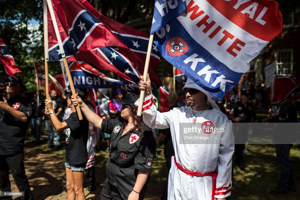 Ku Klux Klan Protests Planned Removal Of General Lee Statue From VA Park : Photo d'actualité