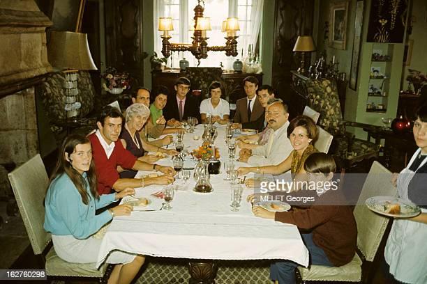 The Laborde De Montpezat Family Béarn septembre 1966 la famille Laborde DE MONTPEZAT à Albas la tablée des deux famillesde gauche à droite Maurille...