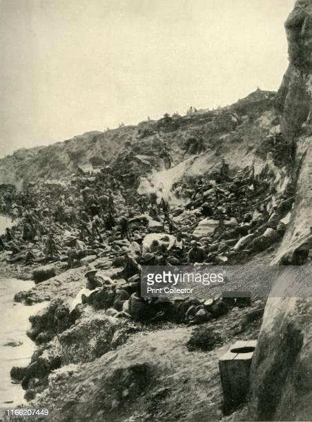 The Landing at Suvla Bay' Gallipoli peninsula First World War British Reserves on the beach between Cape Suvla and Salt Lake awaiting the order to...