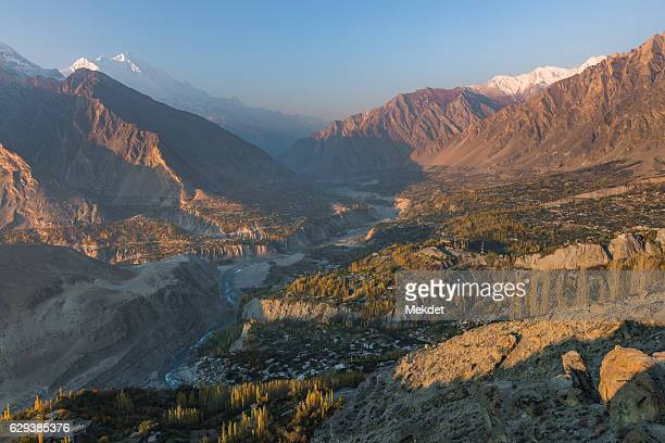 the landscape of hunza valley, karakoram highway, pakistan - hunza valley stock pictures, royalty-free photos & images