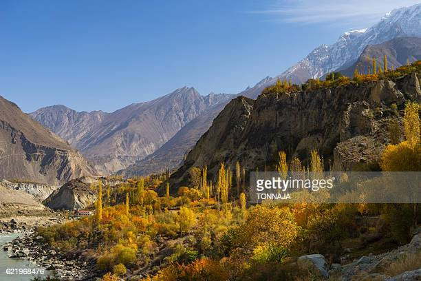 the landscape of karakoram highway from hunza valley, pakistan - pakistan stock photos and pictures