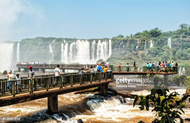 The large accessible footbridge over Iguaçu River