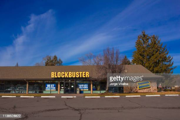 the last blockbuster store in the usa - divergent film stock photos and pictures