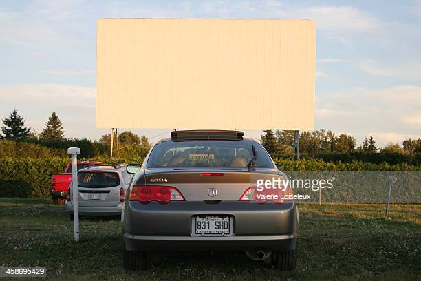 the last drive-in theatre - drive in movie stock pictures, royalty-free photos & images