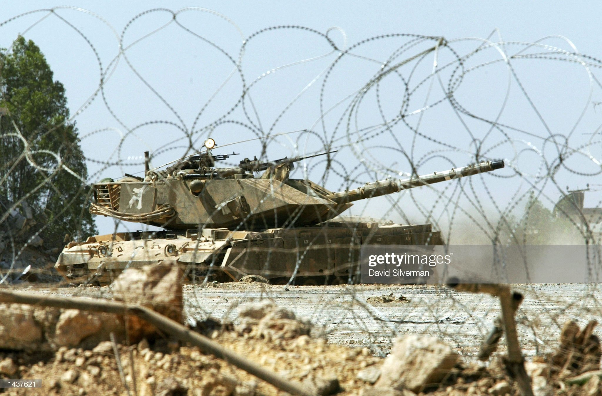https://media.gettyimages.com/photos/the-last-israeli-tank-reverses-as-it-covers-the-israeli-army-out-of-picture-id1437621?s=2048x2048