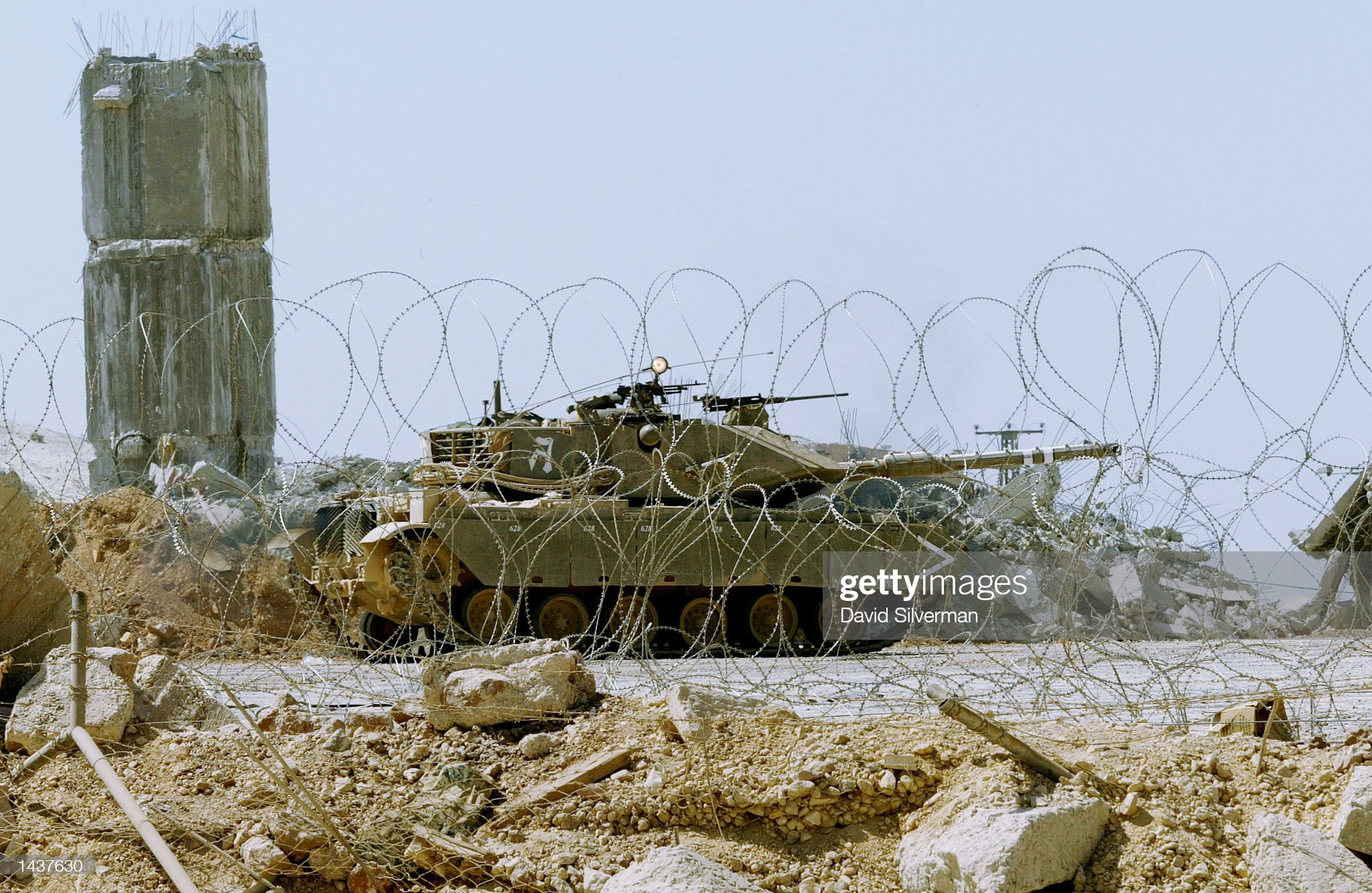 https://media.gettyimages.com/photos/the-last-israeli-tank-reverses-as-it-covers-the-israeli-army-out-of-picture-id1437630?s=2048x2048