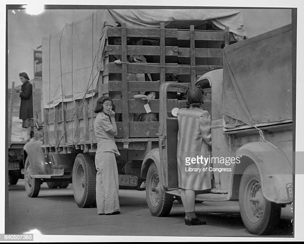 The last Redondo Beach residents of Japanese ancestry leave by truck for relocation camps