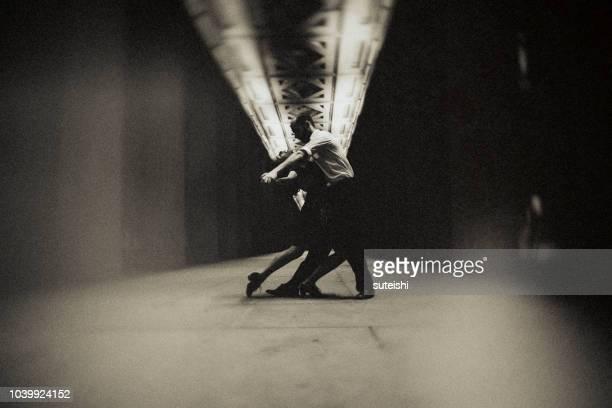 de laatste tango in berlijn - passie stockfoto's en -beelden
