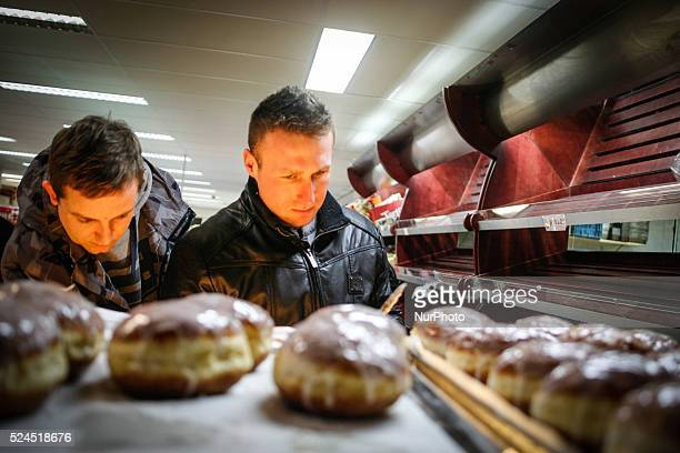 The last Thursday before Lent is Fat Thursday Tlusty Czwartek in Poland In the Polish shop in The Hague Polish pastries called paczki are sold as...
