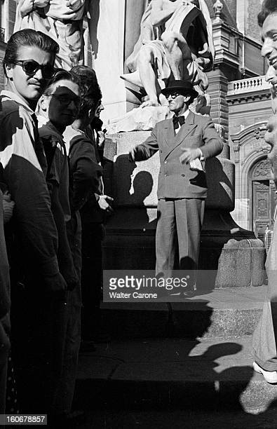 The Latin Quarter In Paris Paris Visite du quartier latin des années cinquante avec Ferdinand LOP qui chaque aprèsmidi arpente le boulevard...