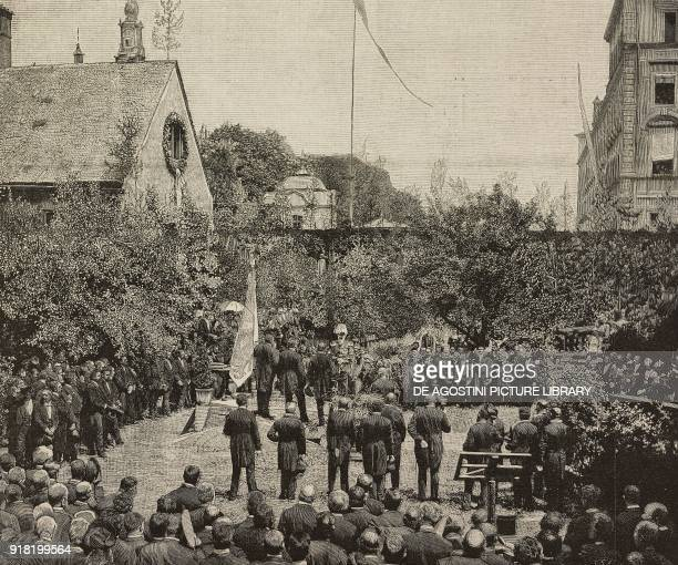 The laying of the first stone of the new Kuenstler Haus on the occasion of the XXV anniversary of the Kuenstler Genossenschaft in the presence of...