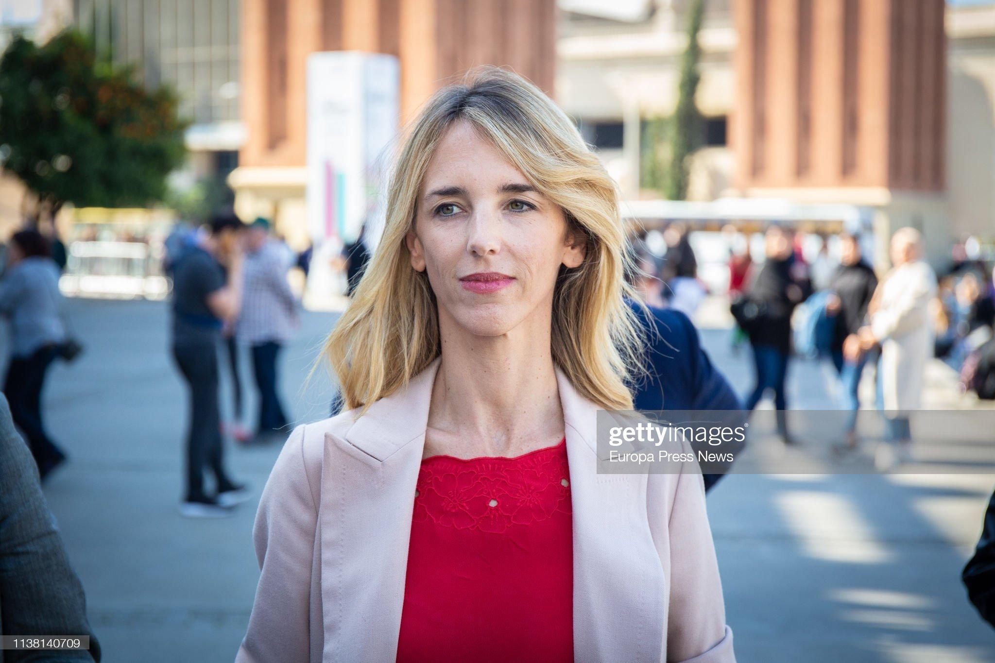 ¿Cuánto mide Cayetana Álvarez de Toledo? - Altura The-lead-candidate-of-pp-in-barcelona-cayetana-alvarez-de-toledo-is-picture-id1138140709?s=2048x2048