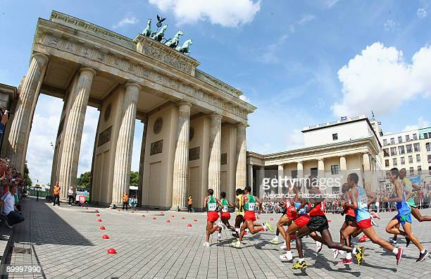 The lead pack races through the Brandenburg Gate in the men's Marathon Final during day eight of the 12th IAAF World Athletics on August 22 2009 in...