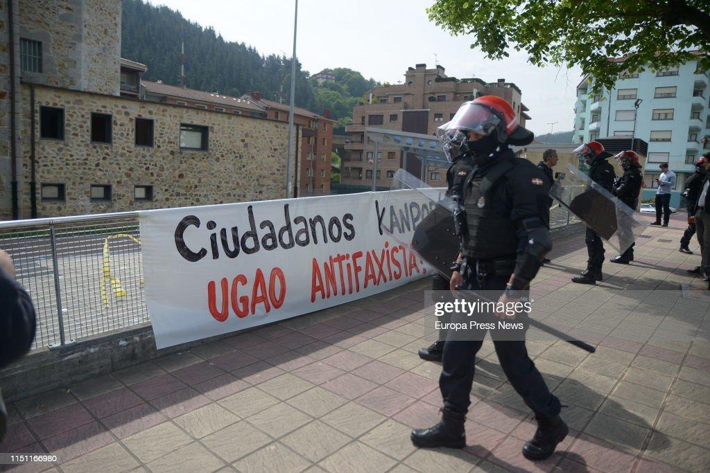 Albert Rivera Participates In A Tribute To The Victims Of Terrorism In Vizcaya : News Photo