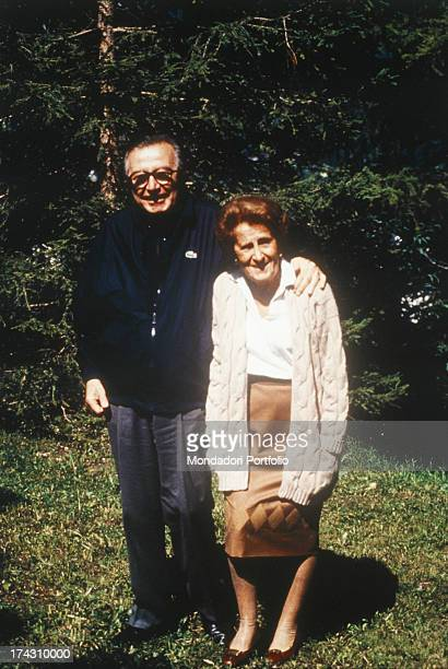 The leader of the Christian Democratic Party Giulio Andreotti next to his wife Livia danese in a garden Italy 1993