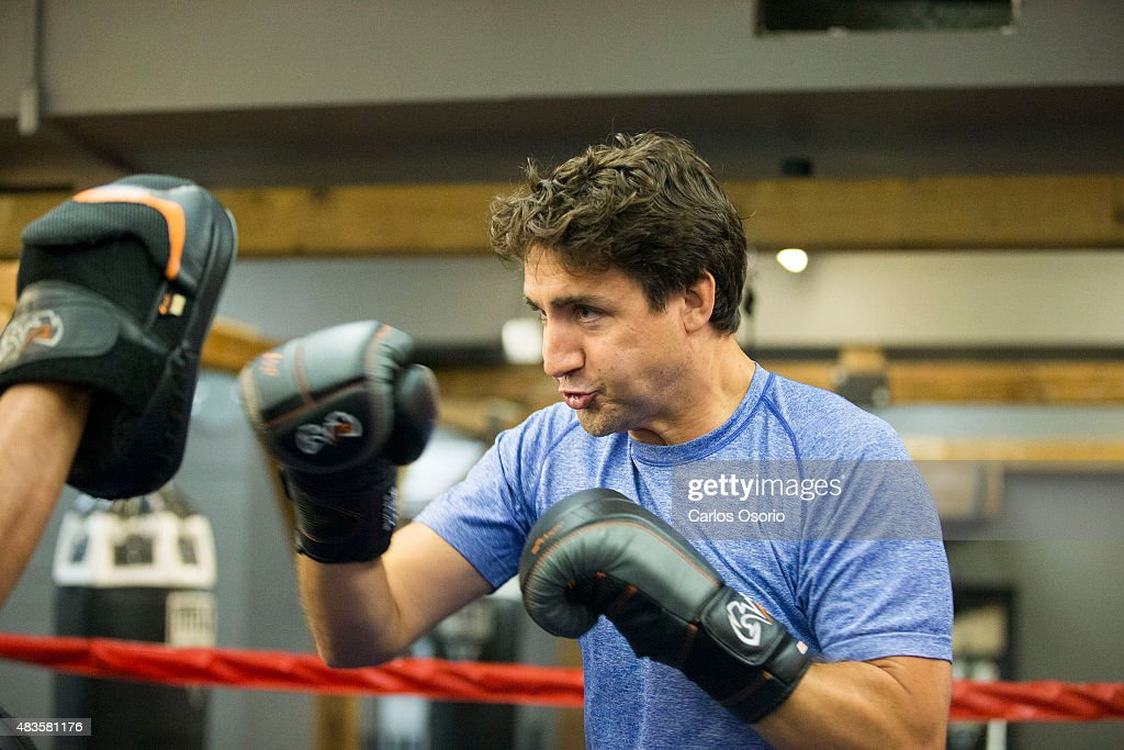 TORONTO, ON - AUGUST 6 - The Leader of the Liberal Party of Canada, Justin Trudeau, visits Paul Brown Boxfit boxing gym for a photo opportunity on August 6, 2015 in Toronto. Carlos Osorio/Toronto Star