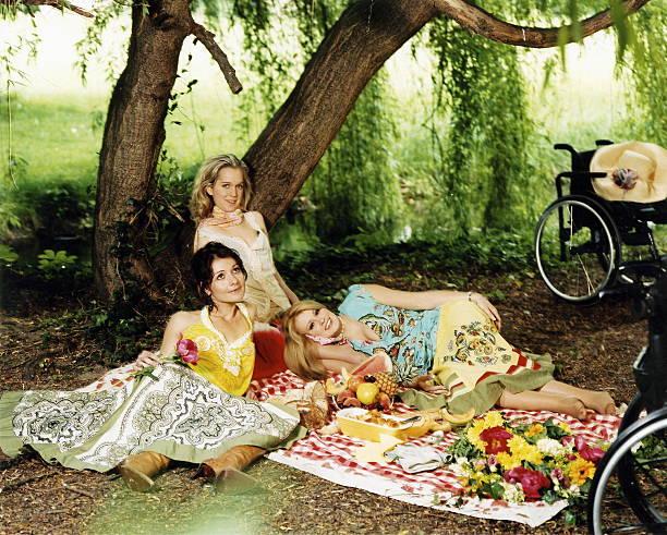 The Lesson Of Love Of Three Young Women With Disabilities Trois jeunes filles Dorine BOURNETON Julie GARRIC et Delphine CENSIER jeunes belles et...