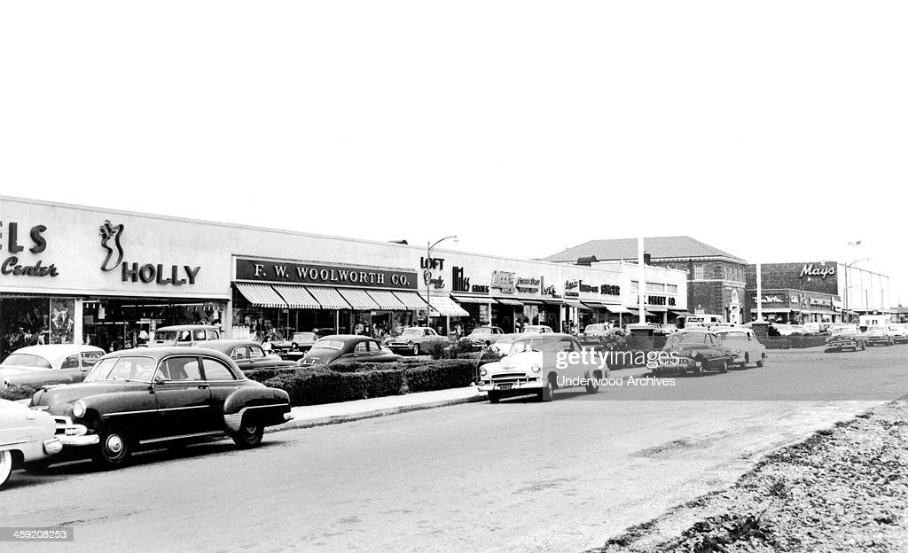 Levittown Shopping Center : News Photo
