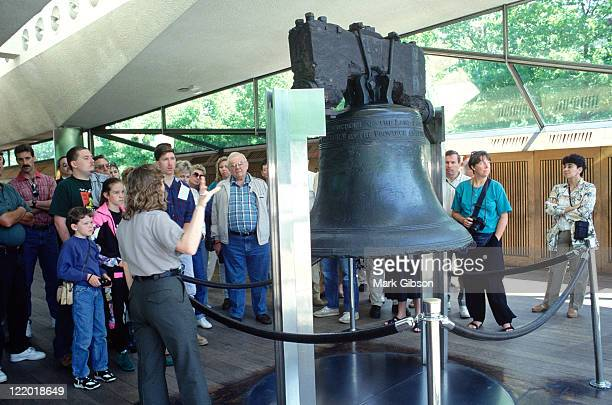 the liberty bell, philadelphia, pa - liberty bell stock pictures, royalty-free photos & images