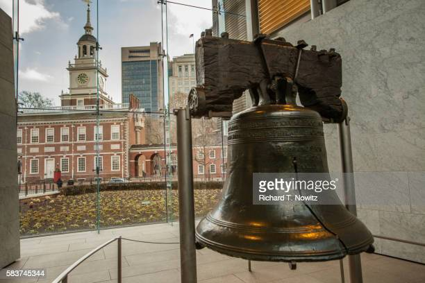 the liberty bell - liberty bell stock pictures, royalty-free photos & images