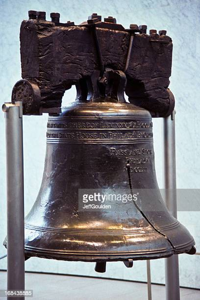 historic liberty bell - liberty bell stock pictures, royalty-free photos & images