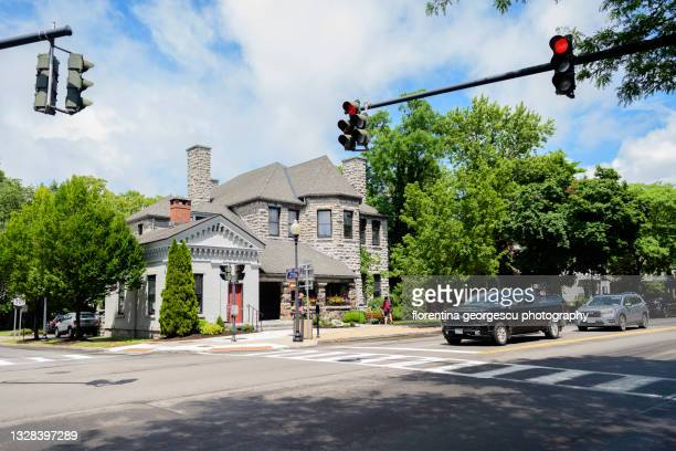 the library and john d. barrow art gallery on genesee street in the skaneateles historic district, new york, usa - スカネアトレス湖 ストックフォトと画像