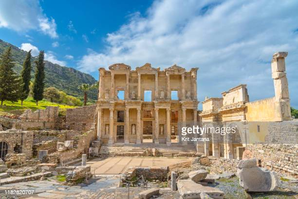 the library of celsus, ephesus, turkey - izmir stock pictures, royalty-free photos & images