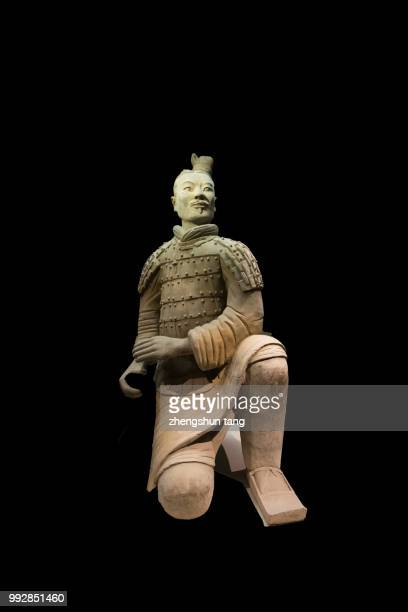 the life size terracotta statue kneeling archer(bingmayong) - terracotta army stock pictures, royalty-free photos & images